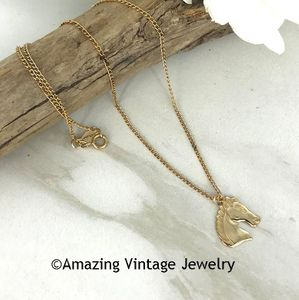 YEARLING Necklace