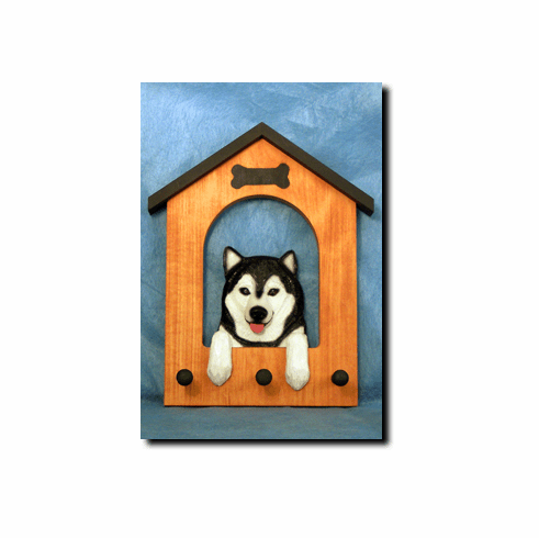 Alaskan Malamute Dog House Leash Holder