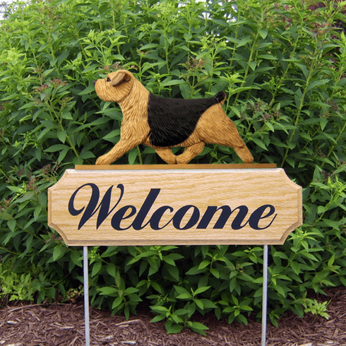 Norfolk Terrier DIG Welcome Stake-Black & Tan