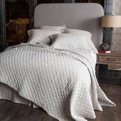Oslo Natural Quilt Set