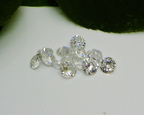 2.5mm Round White / Clear Cubic Zirconia AAAAA