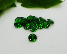 8mm Round Emerald Green Cubic Zirconia AAAAA