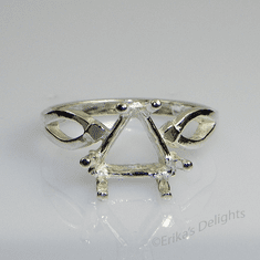 9mm Trillion Vee-Shank Sterling Silver Ring Setting (6 Prong)