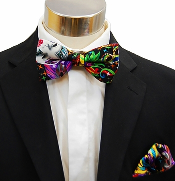 03cff77c9852 Men's Bow Tie and matching Pocket Square . Mardi Gras