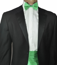 Silk Cummerbund and Bow Tie Set . Green