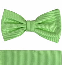 Solid Green Bow Tie and Pocket Square Set by Paul Malone . 100% Silk (BT504H)