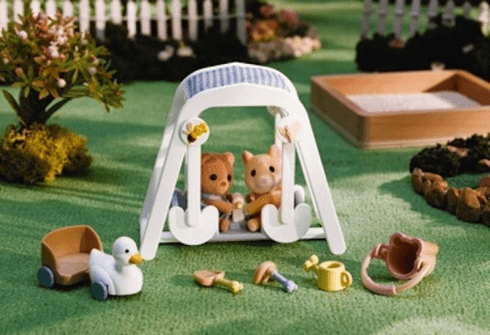 Calico Critters 2599 Peaches & Freddy's Swing 'n Play