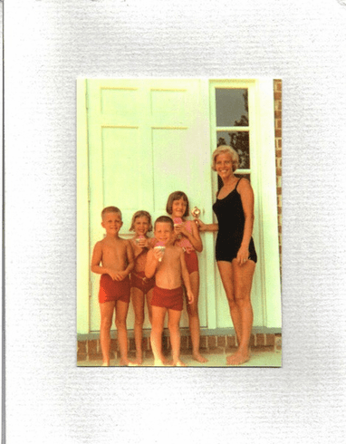 Mom & Kids  in Swimsuits