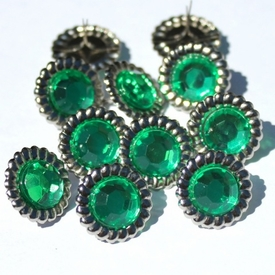 15mm Scalloped Brads - Green