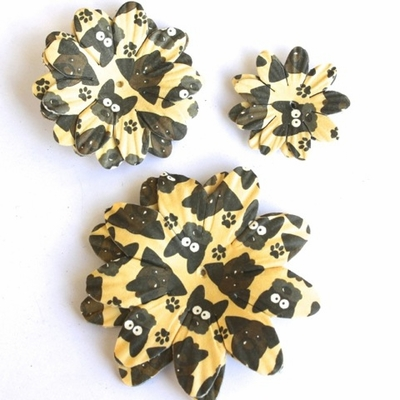 Dog Paper Flowers - Tan