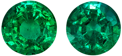 Excellent Emerald Gem Pair, 0.87 carats, Medium Rich Green, Round Cut, 4.9 mm