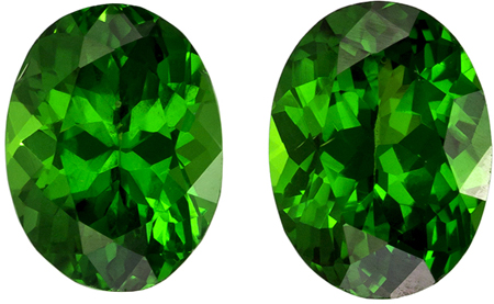 Beautiful Gem in 1.29 carat Green Tsavorite Gemstone in Oval Cut 6 x 4.5 mm