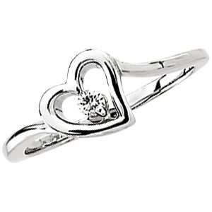 14 KT White Gold .06 Carat TW Diamond Heart Ring