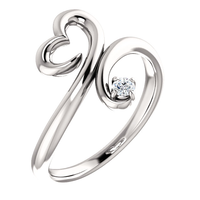 Fine 14 KT White Gold .06 Carat TW Diamond Heart Ring
