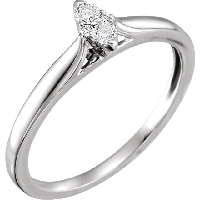 Perfect Gift Idea in 14 Karat White Gold 0.10 Carat Total Weight Diamond Cluster Ring
