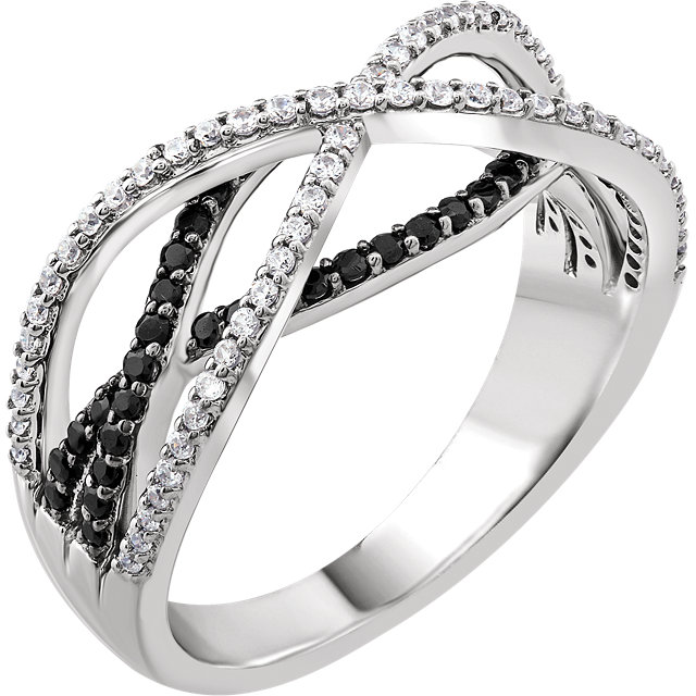 Fine Quality 14 Karat White Gold 0.50 Carat Total Weight Diamond Criss-Cross Ring