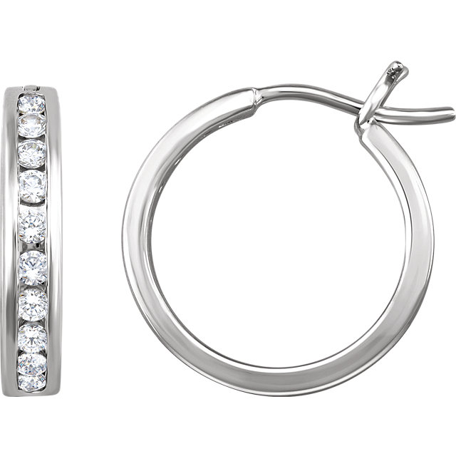 Fine Quality 14 Karat White Gold 0.50 Carat Total Weight Diamond Hoop Earrings