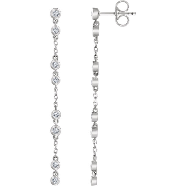 Appealing Jewelry in 14 Karat White Gold 0.33 Carat Total Weight Diamond Chain Earrings