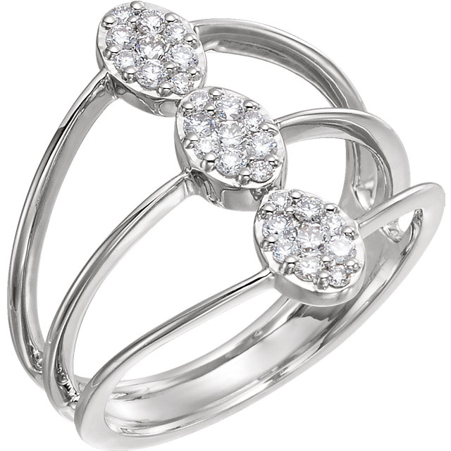 Fine Quality 14 Karat White Gold 0.33 Carat Total Weight Diamond Cluster Ring
