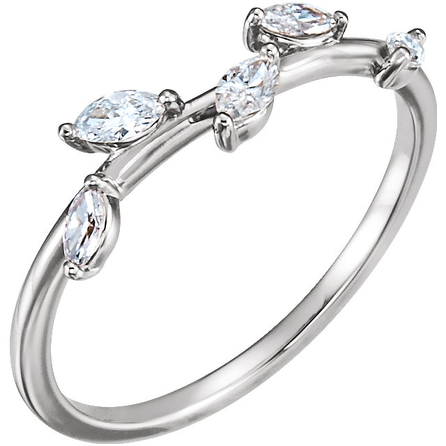 Fine 14 KT White Gold 0.33 Carat TW Diamond Leaf Ring