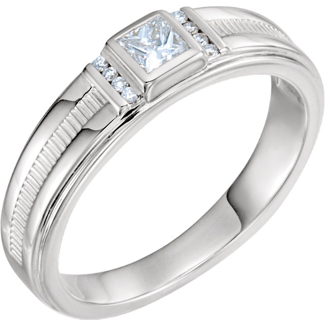 Must See 14 KT White Gold 0.33 Carat TW Diamond Men's Ring