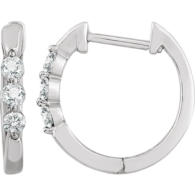 Easy Gift in 14 Karat White Gold 0.25 Carat Total Weight Diamond Hoop Earrings
