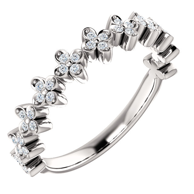 Perfect Jewelry Gift 14 Karat White Gold 0.20 Carat Total Weight Diamond Stackable Clover Ring