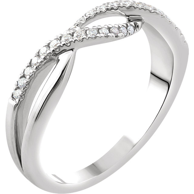 Fine 14 KT White Gold 0.17 Carat TW Diamond Criss-Cross Ring