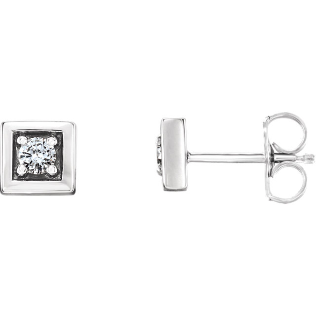 Fine Quality 14 Karat White Gold 0.12 Carat Total Weight Diamond Earrings