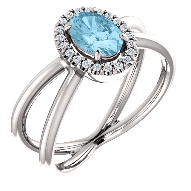 Stunning 14 Karat White Gold Aquamarine & 0.10 Carat Total Weight Diamond Ring