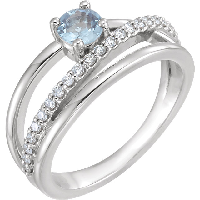 Chic 14 Karat White Gold Aquamarine & 0.25 Carat Total Weight Diamond Ring