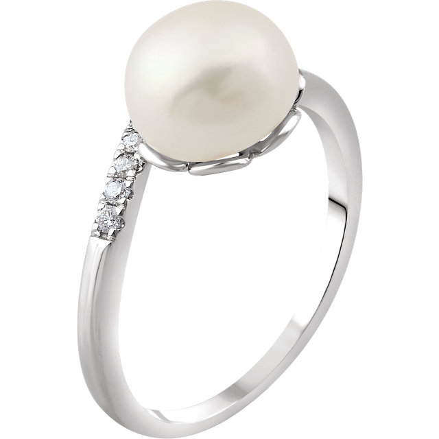 Fantastic 14 KT White Gold Genuine Freshwater Cultured Pearl & .05 Carat TW Diamond Ring