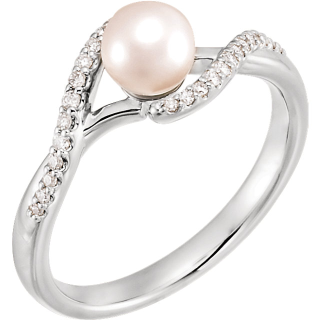 Genuine 14 KT White Gold Freshwater Cultured Pearl & 0.10 Carat TW Diamond Ring