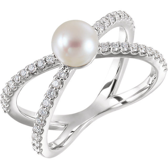 Must See 14 Karat White Gold Freshwater Cultured Pearl & 0.33 Carat Total Weight Diamond Ring