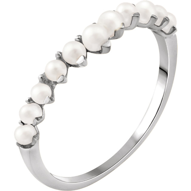 Magnificent 14 Karat White Gold Genuine Freshwater Cultured Pearl Ring