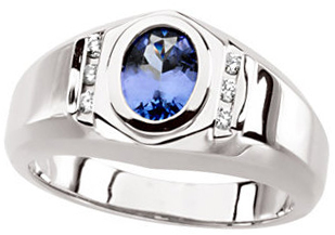 Great Gift in 14 Karat White Gold Tanzanite & 0.12 Carat Total Weight Diamond Ring