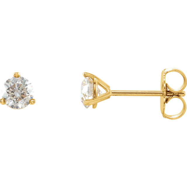 Beautiful 14 Karat Yellow Gold 0.50 Carat Diamond Stud Earrings