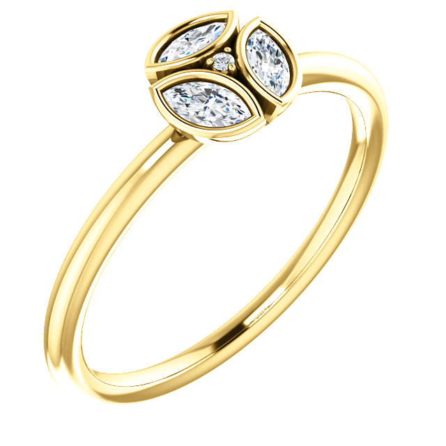 Contemporary 14 Karat Yellow Gold 0.25 Carat Total Weight Diamond Ring