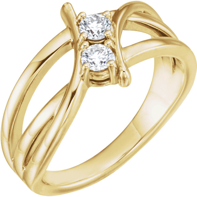 Easy Gift in 14 Karat Yellow Gold 0.25 Carat Total Weight Diamond Two-Stone Ring