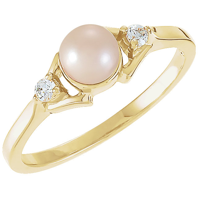 Appealing Jewelry in 14 Karat Yellow Gold Akoya Cultured Pearl & .06 Carat Total Weight Diamond Ring