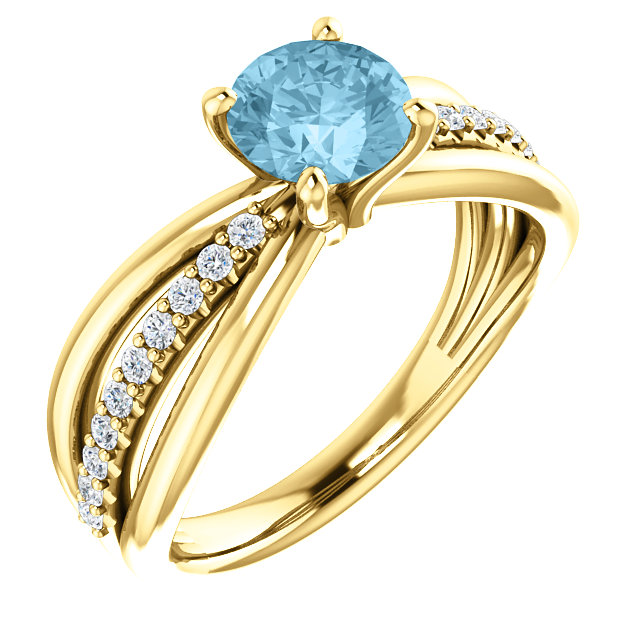 Very Nice 14 Karat Yellow Gold Aquamarine & 0.17 Carat Total Weight Diamond Ring