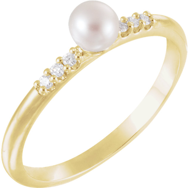 Easy Gift in 14 Karat Yellow Gold Freshwater Cultured Pearl & .05 Carat Total Weight Diamond Ring