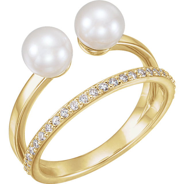 Genuine 14 KT Yellow Gold Freshwater Cultured Pearl & 0.20 Carat TW Diamond Ring