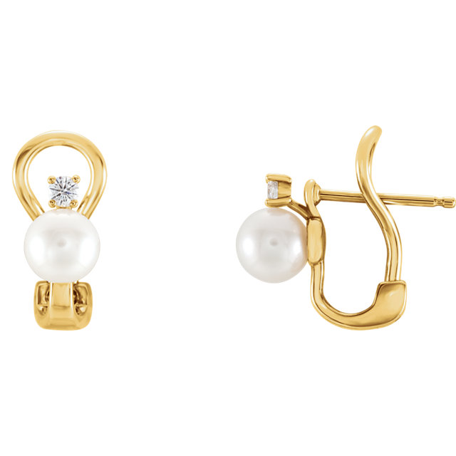 14 Karat Yellow Gold Freshwater Pearl & 0.12 Carat Diamond Earring