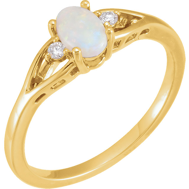 Very Nice 14 Karat Yellow Gold Opal & .04 Carat Total Weight Diamond Ring