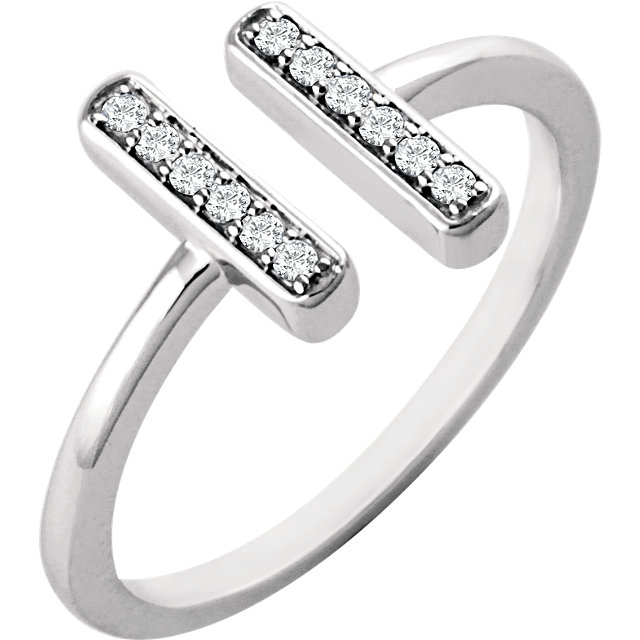 14 Karat White Gold 0.10 Carat Diamond Vertical Bar Ring