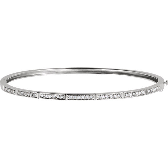 Gorgeous 14 Karat White Gold 1/3 Carat Total Weight Round Genuine Diamond Bangle Bracelet