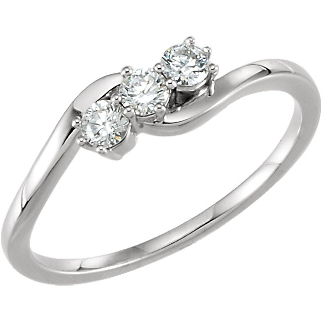 Fine 14 KT White Gold 0.25 Carat TW Diamond Three-Stone Ring