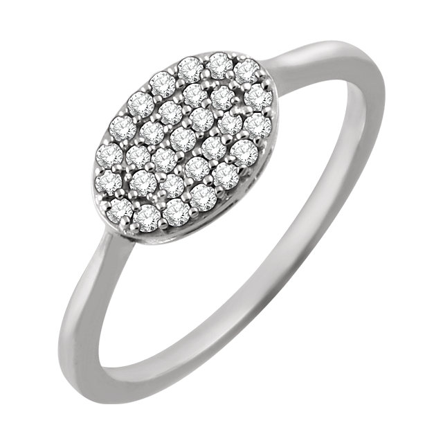 Quality 14 KT White Gold 0.20 Carat TW Diamond Oval Cluster Ring