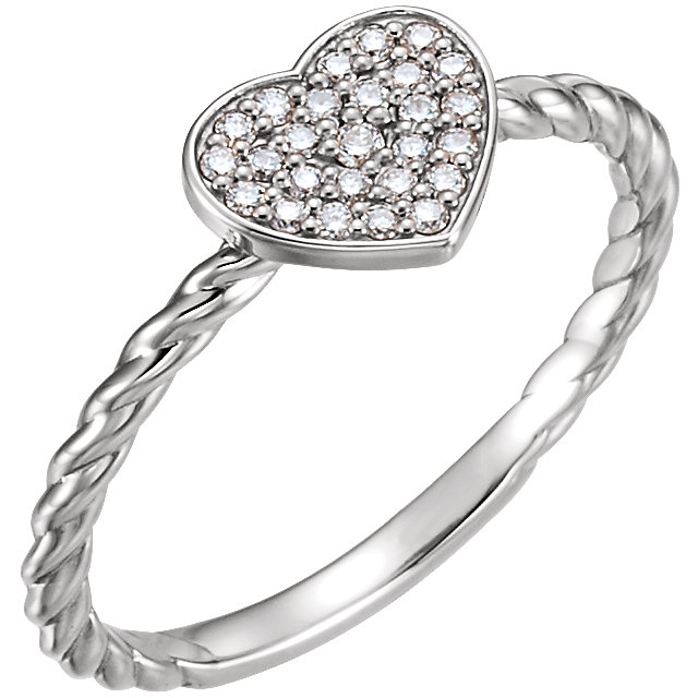 Contemporary 14 Karat White Gold 0.12 Carat Total Weight Diamond Heart Rope Ring